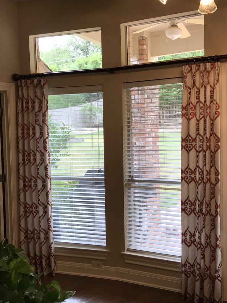 decowindowfashions-blinds-drapery (3)